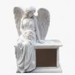 n018-angel-na-postamente-malyiy-levaya