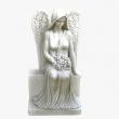 n020-angel-na-postamente-s-tsvetami